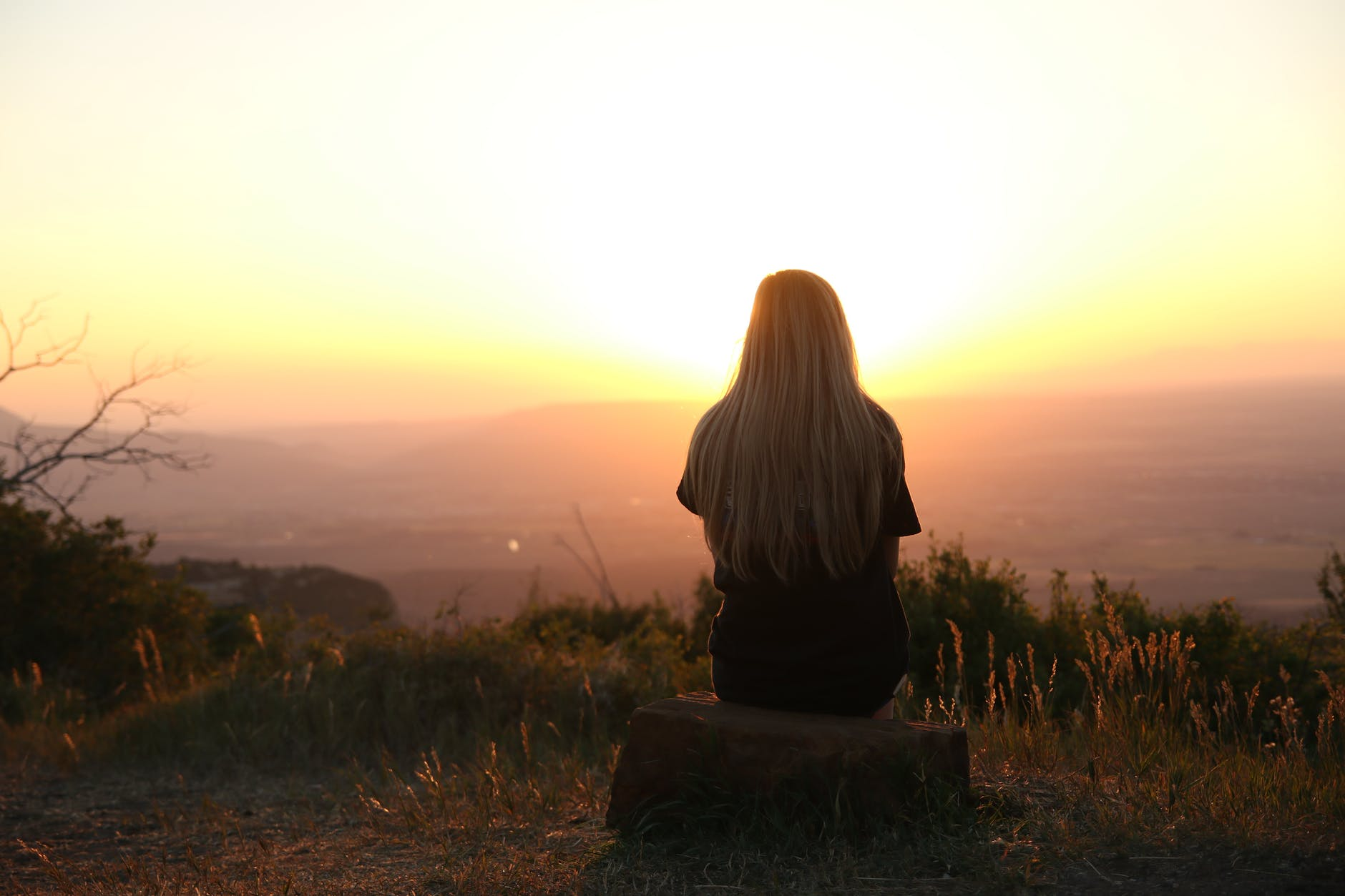 Emosi Negatif: Manfaat dan Cara Mendetoksifikasi agar Tidak Menyakiti Orang-Orang yang Kita Cintai