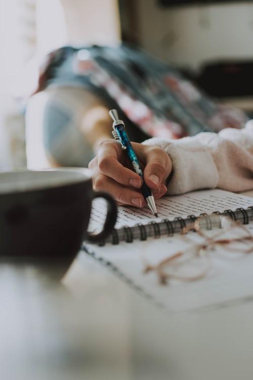 Tips Menulis Jurnal untuk Mental yang Lebih Sehat