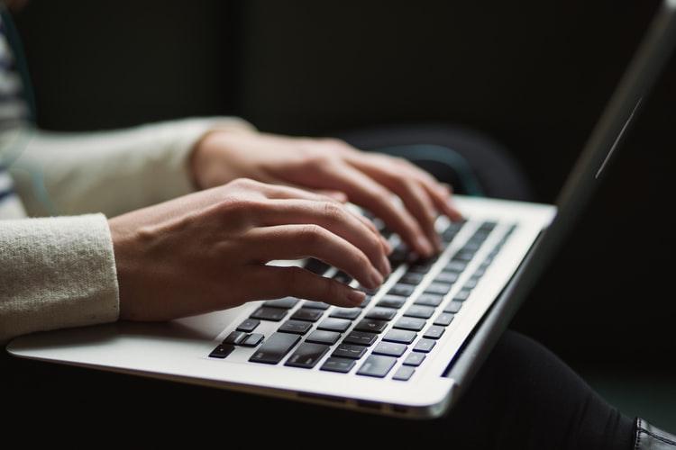 Cara Memaksimalkan Penggunaan Media Sosial untuk Penulis Pemula